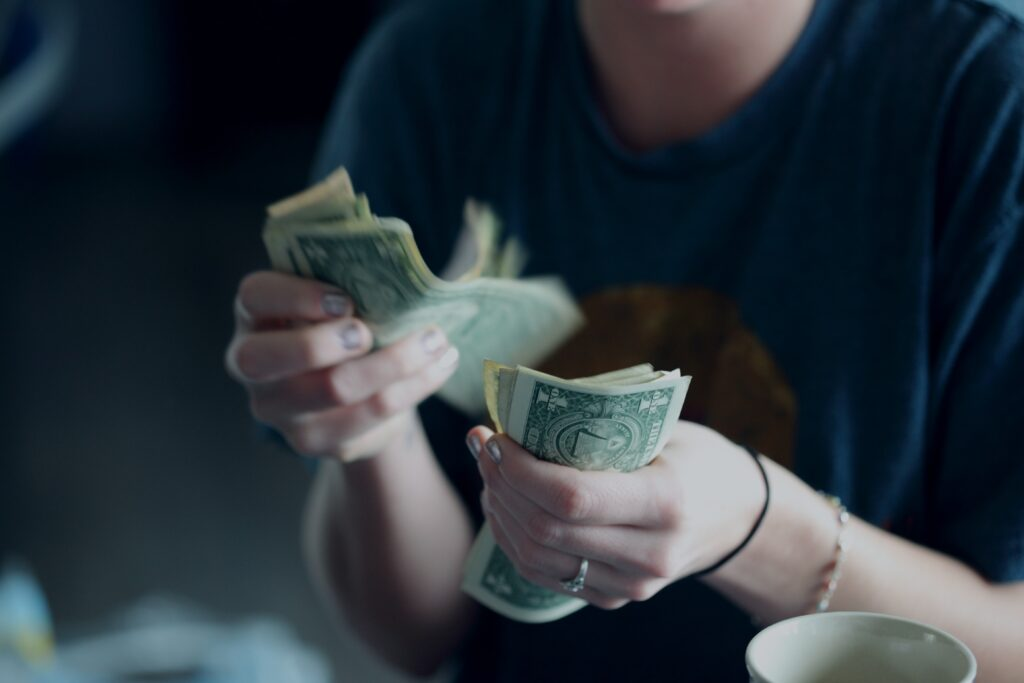 budgeting to maintain financial records for stay at home mom